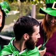 Den St. Patrick's Day auf der Donau feiern